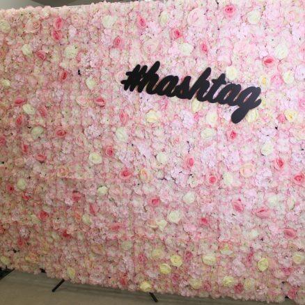 hyra_photobooth_backdrop_flowerwall_rosa_vit_3